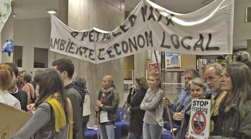 15_protesto_revista