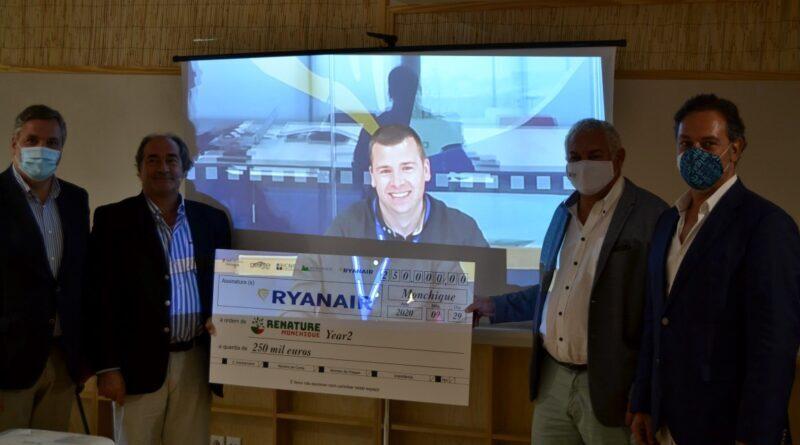"Ryanair doa mais 250 mil euros para ""Renaturalizar Monchique"""