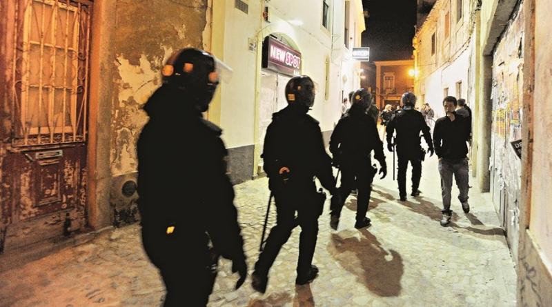 13_polícia_revista